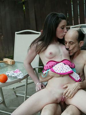 erotische Familie Sex-Bilder  - kostenlos Pornobilder - Foto 2214