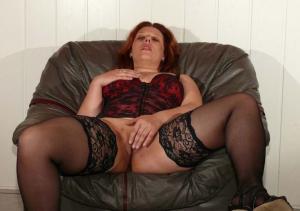 Dildo in ihrer Muschi - kostenlos Pornobilder - Foto 4398