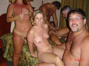 Gruppen nackt bilder