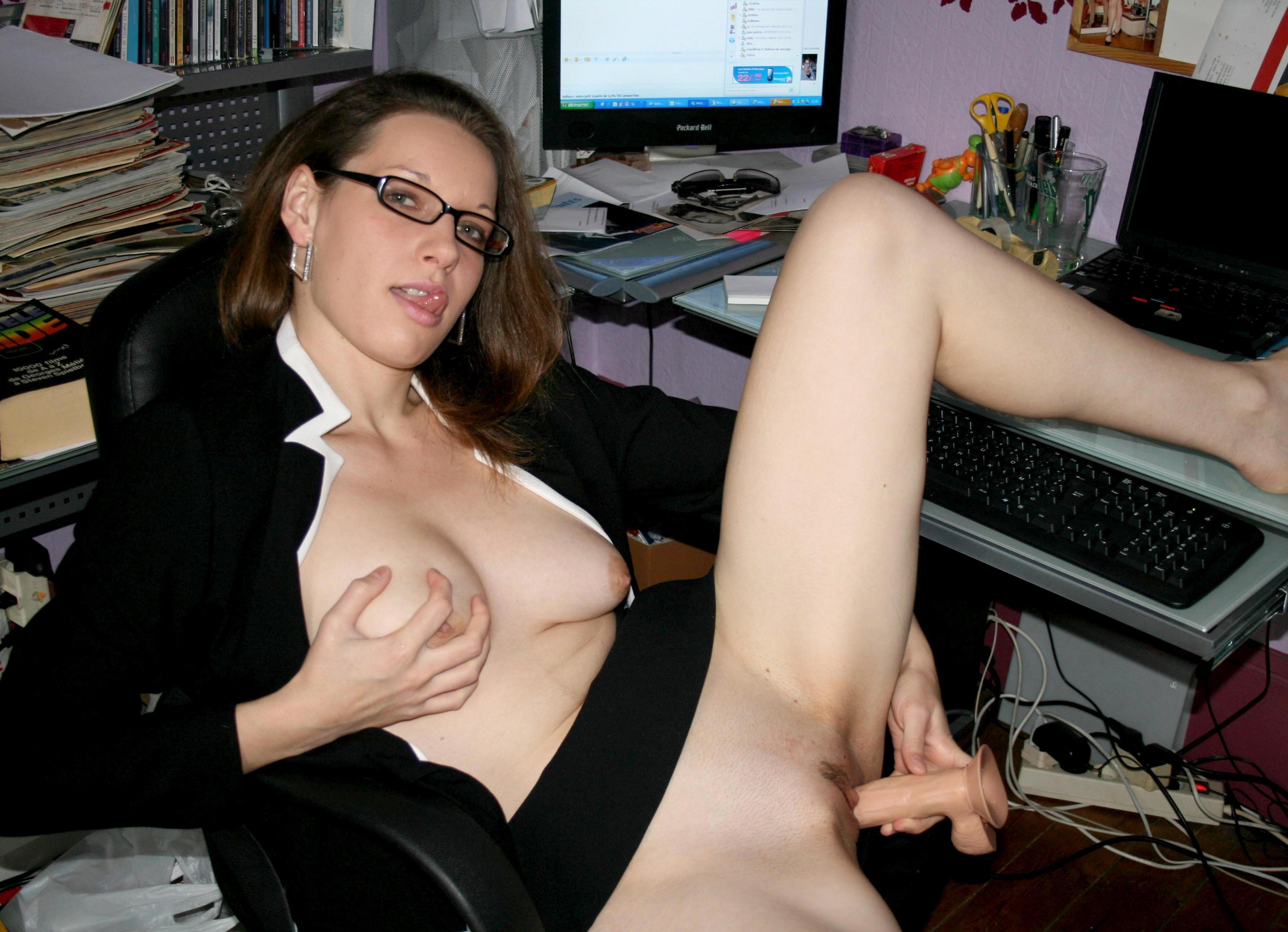 DILDO. Heiße XXX Fotos, beste Sexbilder und kostenlose Pornos