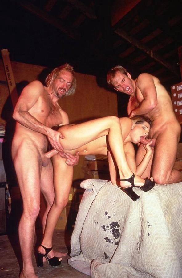 Vater und Tochter Sex-Fotos - kostenlos Pornobilder - Foto 2301