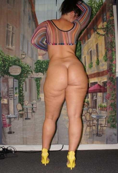 online geschwollen Hündin - kostenlos Pornobilder - Foto 1539