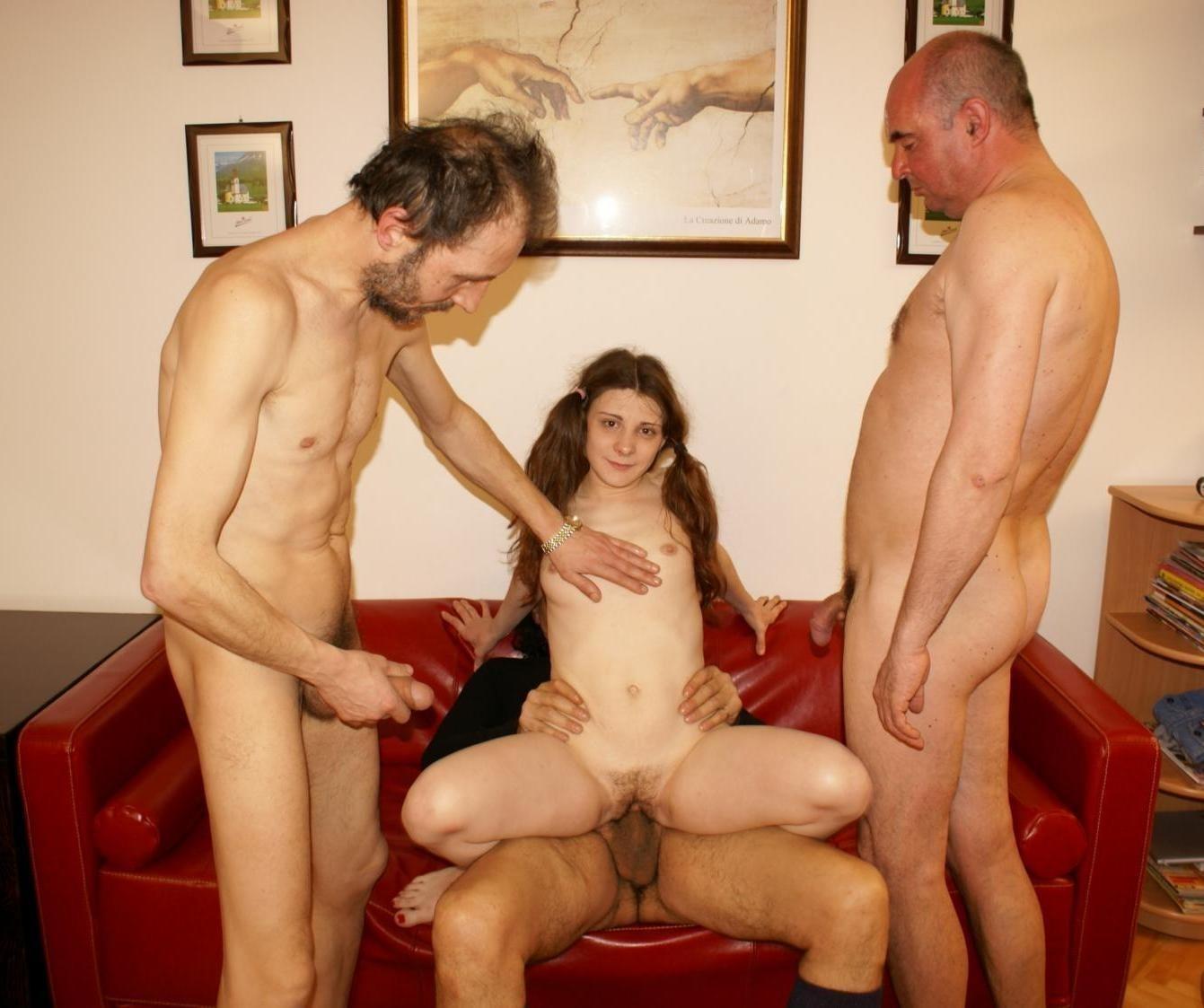 Vater fucks seine Tochter - kostenlos Pornobilder - Foto 2280