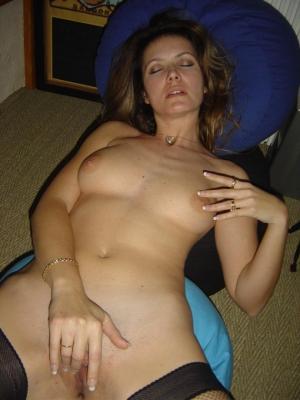 schöne Hündin Masturbieren - kostenlos Pornobilder - Foto 4451