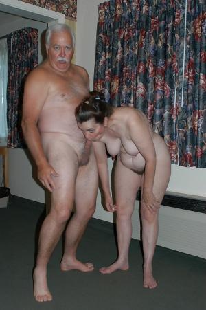 gratis Familie Porno-Fotos - kostenlos Pornobilder - Foto 2073