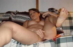 Dildo in ihrer Muschi - kostenlos Pornobilder - Foto 4518